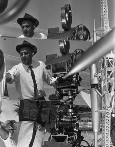Federico-Fellini-sul-set-di-8%_-Gideon-Bachmann-copy-Cinemazero